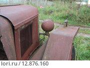 Капот, фара и крыло старого грузовика ЗИС-5 (2015 год). Редакционное фото, фотограф Косоуров Юрий / Фотобанк Лори