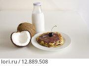 Купить «Cherry coconut pancakes», фото № 12889508, снято 17 октября 2018 г. (c) PantherMedia / Фотобанк Лори