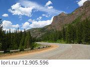 Горная дорога на Алтае, фото № 12905596, снято 12 июня 2015 г. (c) Михаил Коханчиков / Фотобанк Лори