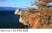 Купить «Байкал в октябре. Скалы острова Ольхон мыса Татайский и мыса Бурхан», видеоролик № 12918928, снято 21 октября 2015 г. (c) Виктория Катьянова / Фотобанк Лори