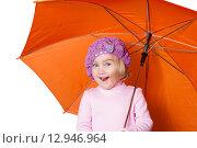 Маленькая симпатичная девочка с зонтиком, изолированная на белом фоне. Стоковое фото, фотограф Вячеслав Волков / Фотобанк Лори