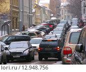 Купить «Пробка в Большом Афанасьевском переулке в Москве», эксклюзивное фото № 12948756, снято 18 февраля 2010 г. (c) lana1501 / Фотобанк Лори
