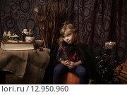 Купить «Эмоции маленькой ведьмы на хэллоуин», фото № 12950960, снято 1 ноября 2014 г. (c) Останина Екатерина / Фотобанк Лори