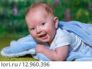 Радостный ребенок смеется. Стоковое фото, фотограф Евгений Чернышов / Фотобанк Лори