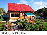 Загородный дом в сельской местности. Стоковое фото, фотограф Вячеслав Варбасевич / Фотобанк Лори