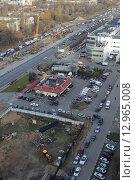 Купить «Балашиха, вид на трассу М7, микрорайонТерешковой», эксклюзивное фото № 12965008, снято 29 октября 2015 г. (c) Дмитрий Неумоин / Фотобанк Лори