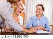 women consulting at insurance agent, фото № 12993080, снято 24 марта 2017 г. (c) Яков Филимонов / Фотобанк Лори