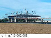 Купить «Строительство нового стадиона Зенит на Крестовском острове Санкт-Петербурга», фото № 13002088, снято 30 августа 2015 г. (c) Sergei Gushchin / Фотобанк Лори