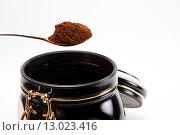 Ложка молотого кофе. Стоковое фото, фотограф Юрий Волобуев / Фотобанк Лори