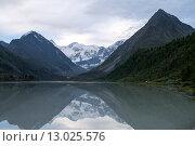 Купить «Белое озеро в горах», фото № 13025576, снято 20 июля 2015 г. (c) Olivas / Фотобанк Лори