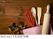 Купить «close up of kitchenware set for baking gingerbread», фото № 13030548, снято 7 октября 2015 г. (c) Syda Productions / Фотобанк Лори