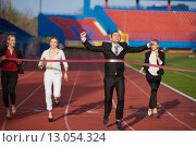 Купить «business people running on racing track», фото № 13054324, снято 22 ноября 2019 г. (c) PantherMedia / Фотобанк Лори