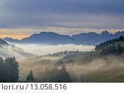 Купить «mountain mountains fog bayrische voralpen», фото № 13058516, снято 17 июля 2019 г. (c) PantherMedia / Фотобанк Лори