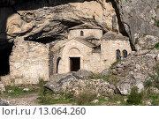 Купить «Малоизвестная церковь Святого Николая в пещере на горе Пендели (Афины, Греция)», фото № 13064260, снято 14 ноября 2015 г. (c) Татьяна Ляпи / Фотобанк Лори
