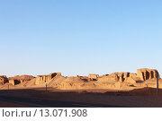 Купить «Природный пейзаж на закате в пустыне Каллютс. Иран. Персия. Ближний Восток. Азия.», фото № 13071908, снято 11 августа 2015 г. (c) Денис Козлов / Фотобанк Лори