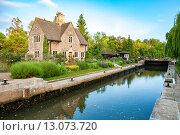 Купить «Шлюз Иффли на реке Темзе. Оксфорд, Оксфордшир, Англия», фото № 13073720, снято 20 июня 2013 г. (c) Andrei Nekrassov / Фотобанк Лори
