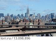 Нью-Йорк. Вид на Манхэттен с Бруклинского моста (2015 год). Редакционное фото, фотограф Дмитрий Муромцев / Фотобанк Лори