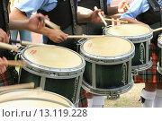 Купить «Side drums in Pipe Band, Glasgow, Scotland. UK.», фото № 13119228, снято 20 июля 2019 г. (c) age Fotostock / Фотобанк Лори