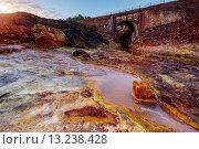 Купить «Река Rio Tinto в Испании», фото № 13238428, снято 14 октября 2015 г. (c) Liseykina / Фотобанк Лори