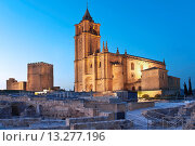 Купить «Alcazaba and Mayor Abbey Church, La Mota Fortress, Alcala la Real, Jaen-province, Spain», фото № 13277196, снято 4 апреля 2019 г. (c) age Fotostock / Фотобанк Лори