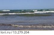 Купить «Набегающие волны Каспийского моря», видеоролик № 13279204, снято 24 сентября 2015 г. (c) Евгений Ткачёв / Фотобанк Лори