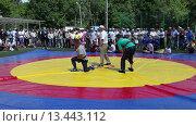 Купить «Татарская национальная борьба на поясах Куреш», видеоролик № 13443112, снято 22 марта 2019 г. (c) FotograFF / Фотобанк Лори