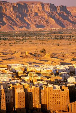 Shibam with ancient mud_brick high_rise buildings Wadi Hadramawt, eastern Yemen