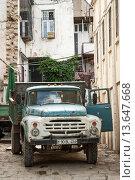Купить «old soviet truck in baku azerbaijan street», фото № 13647668, снято 20 июля 2018 г. (c) age Fotostock / Фотобанк Лори