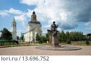 Купить «Памятник Никите Демидову в Туле», фото № 13696752, снято 16 июля 2015 г. (c) Олег Пученков / Фотобанк Лори