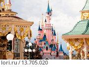 Купить «Europe, France, Paris, Marne-la-Vallée, Disneyland, Sleeping Beauty Castle », фото № 13705020, снято 26 мая 2019 г. (c) age Fotostock / Фотобанк Лори