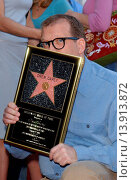 Купить «Drew Carey at the ceremony honoring Drew Carey with the 2,216th star on the Hollywood Walk of Fame. Hollywood California. February 21st, 2003. Photo by Patrick Rideaux/PicturePerfect.», фото № 13913872, снято 19 июля 2013 г. (c) age Fotostock / Фотобанк Лори