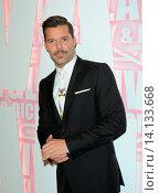 Купить «Ricky Martin - New York/New York/United States - MAC VIVA GLAM WITH NICKI MINAJ AND RICKY MARTIN», фото № 14133668, снято 16 февраля 2012 г. (c) age Fotostock / Фотобанк Лори