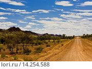Купить «Mereenie Loop Road, Red Centre, Australia», фото № 14254588, снято 16 октября 2018 г. (c) age Fotostock / Фотобанк Лори