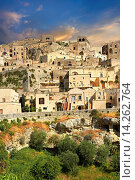 Купить «The ancient cave dwellings, known as Sassi, in Matera, Southern Italy. A UNESCO World Heritage Site.», фото № 14262764, снято 10 декабря 2018 г. (c) age Fotostock / Фотобанк Лори