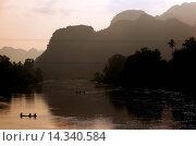 Купить «Die Landschaft am Xe Bang Fai River beim Dorf Mahaxai Mai von Tham Pa Fa unweit der Stadt Tha Khaek in zentral Laos an der Grenze zu Thailand in Suedostasien.», фото № 14340584, снято 23 июля 2019 г. (c) age Fotostock / Фотобанк Лори
