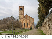 Der romanisch-gotische Dom San Giustina in Monselice liegt an der Via al Santuario. Стоковое фото, фотограф Zoonar/Christa Eder / age Fotostock / Фотобанк Лори