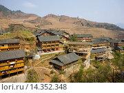 Купить «Traditional homes in the mountain village of Ping An, Longsheng, near Guilin, China», фото № 14352348, снято 23 февраля 2019 г. (c) age Fotostock / Фотобанк Лори