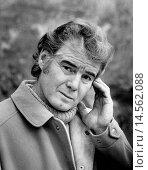 Купить «Portrait of Joe Sentieri. Portrait of the Italian singer-songwriter Joe Sentieri, Rino Luigi Sentieri's pseudonym, who looks at the camera with an intense expression. Genoa (Italy), 1972.», фото № 14562088, снято 21 января 2019 г. (c) age Fotostock / Фотобанк Лори