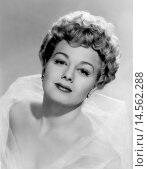 Купить «An intense close up shoot of an ethereal Shelley Winters. A close-up of the US actress Shelley Winters enhancing her beauty.», фото № 14562288, снято 21 января 2019 г. (c) age Fotostock / Фотобанк Лори