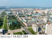 Купить «Вид сверху на Пхеньян», фото № 14607384, снято 27 июля 2014 г. (c) Михаил Пряхин / Фотобанк Лори