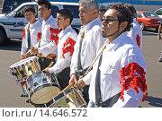 Купить «Row of Mexican American drum corps in the parade. Mexican Independence Day Minneapolis Minnesota MN USA.», фото № 14646572, снято 16 сентября 2007 г. (c) age Fotostock / Фотобанк Лори
