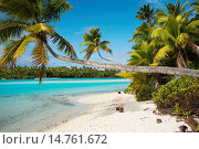 Купить «Aitutaki. Cook Island. Polynesia. South Pacific Ocean. Beach in One Foot Island. One Foot Island is asmall island in the district of Aitutaki of the Cook...», фото № 14761672, снято 18 июня 2013 г. (c) age Fotostock / Фотобанк Лори
