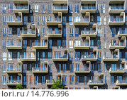 Купить «Modern apartment house, designed by Lundgaard & Tranberg architects, district Oerestad, Amager, Copenhagen, Denmark», фото № 14776996, снято 22 июля 2019 г. (c) age Fotostock / Фотобанк Лори