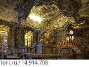 Купить «Caidin Mausoleum, Hue City, Vietnam», фото № 14914708, снято 20 сентября 2018 г. (c) age Fotostock / Фотобанк Лори