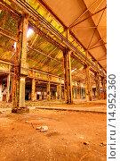 Купить «Alte, verfallene Fabrik», фото № 14952360, снято 19 августа 2018 г. (c) age Fotostock / Фотобанк Лори