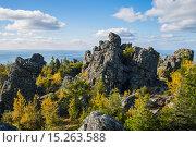 Пейзаж с горами и тайгой на Урале. Стоковое фото, фотограф Ирина Нуртдинова / Фотобанк Лори