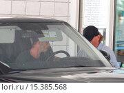 Купить «David Beckham drives his black Range Rover Autobiography to a petrol station in Beverly Hills Featuring: David Beckham Where: Los Angeles, California,...», фото № 15385568, снято 6 августа 2014 г. (c) age Fotostock / Фотобанк Лори