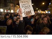 Купить «On 7 jan 2015, twenty thousand people demonstrated in Amsterdam against the killing of of the ten cartoonists of the french magazine Charlie Hebdo on 6 jan 2015.», фото № 15504996, снято 8 января 2015 г. (c) age Fotostock / Фотобанк Лори