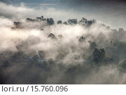 Купить «Early morning sun dissipates sea mist around residential homes in Crown Valley in coastal Laguna Niguel, CA.», фото № 15760096, снято 22 октября 2014 г. (c) age Fotostock / Фотобанк Лори