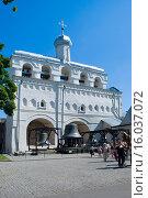 Купить «Звонница Софийского собора. Новгородский Кремль», эксклюзивное фото № 16037072, снято 4 июля 2015 г. (c) Александр Щепин / Фотобанк Лори